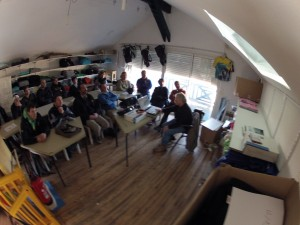 Les clubs Girondins ont répondu massivement au premier rendez-vous 2013 du Comité surf 33. Du Surf club de la Salie Jusqu'au Soulac surf club ce sont plus d'une trentaine de passionnés qui ont participé aux 3 Thèmes de cette formation juge Orchestrée par Claude CHAMOUX et Laurent RONDI. Un succès qui tient également au dynamisme de tous les clubs Girondins, Le porgeSC, Le COSC, le LSC, le SCP, le HSC, le MontaKOKOLOKO.... sans oublier un petit nouveau nord Médocain le Médoc waterman club. Merci à tous et à très bientôt sur le circuit surf 33.